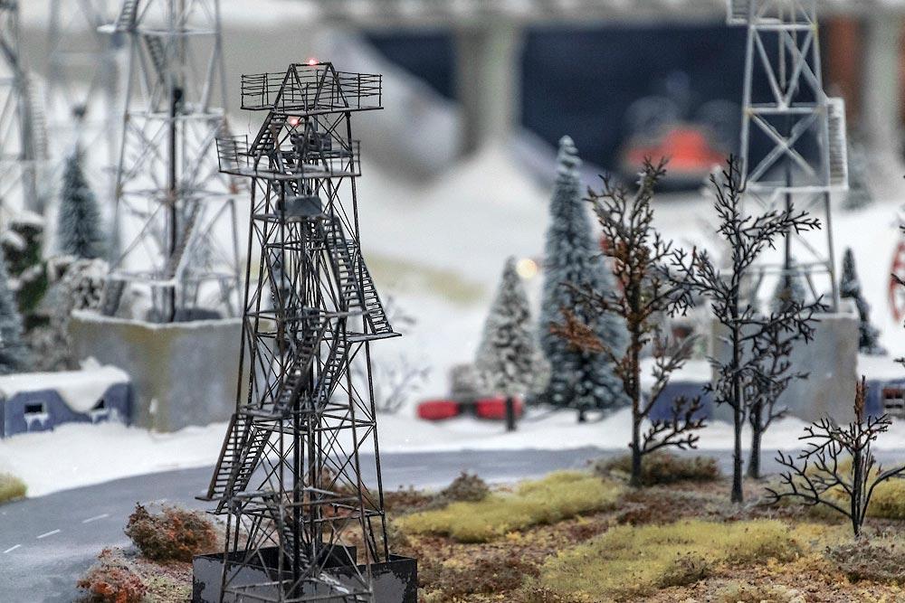 Макет нефтевышки. Фото с сайта www.kleinburd.ru