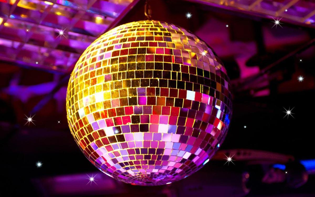 Какая дискотека без диско-шара? Фото с сайта ggpht.com