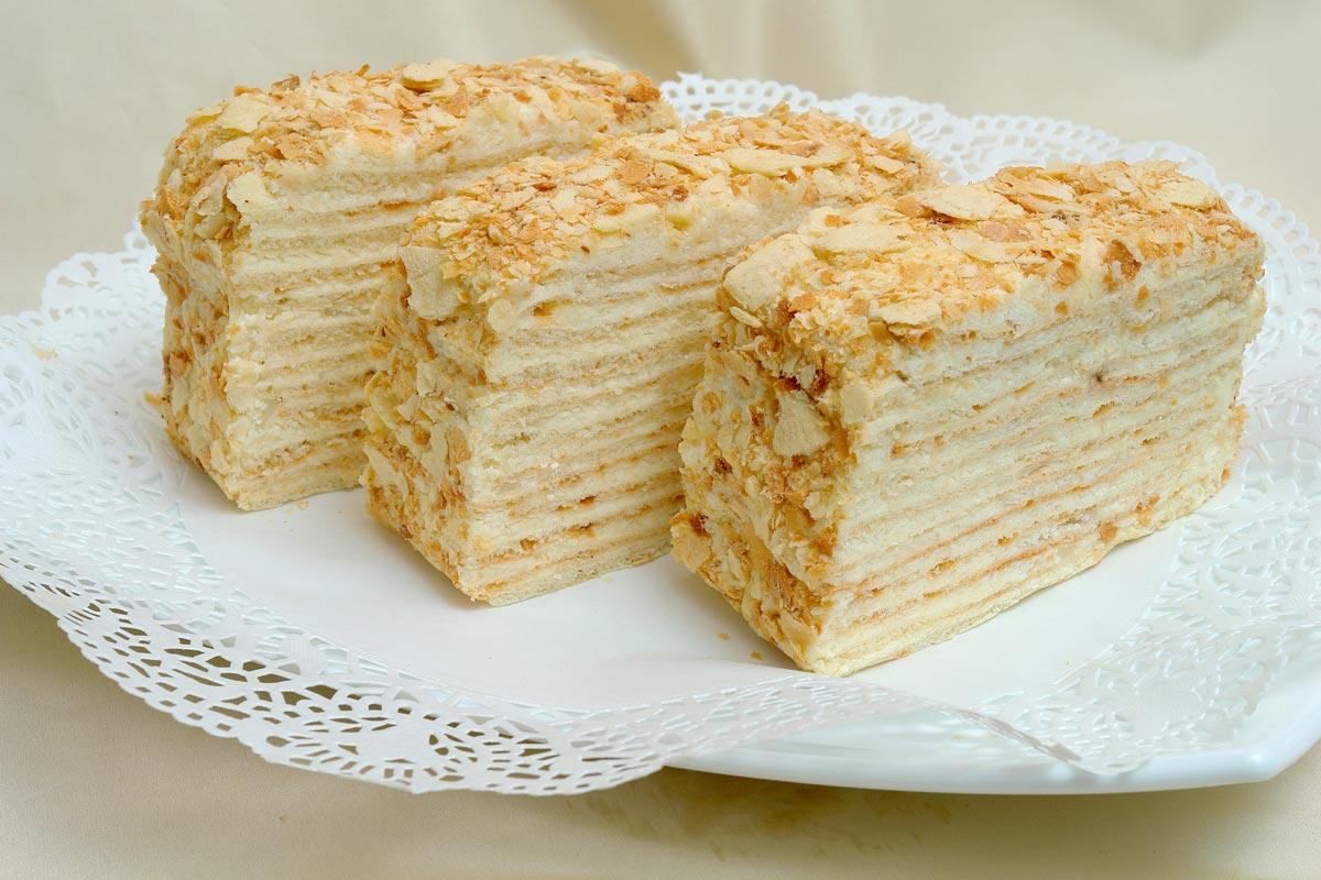 Торт Наполеон. Фото с сайта voshod-kulinar.ru