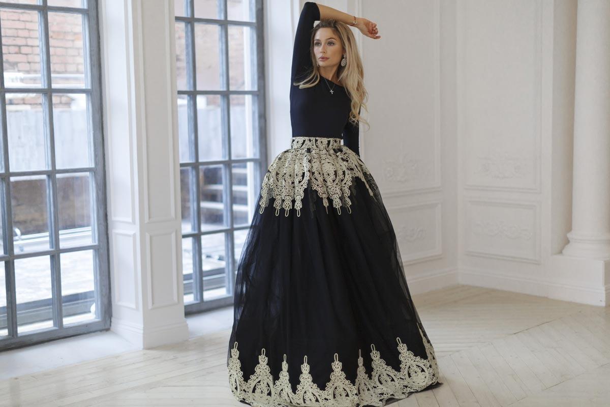 Платье может иметь очень необычную отделку. Фото с сайта yuliaprokhorova.com