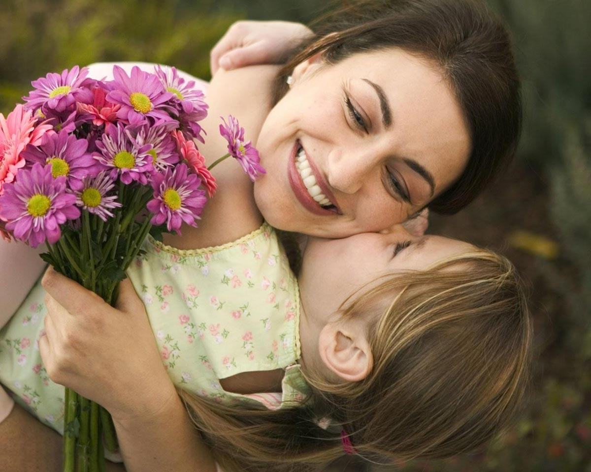Мамы заслуживают самых теплых слов в этот день. Фото с сайта hdwallpapers.cat