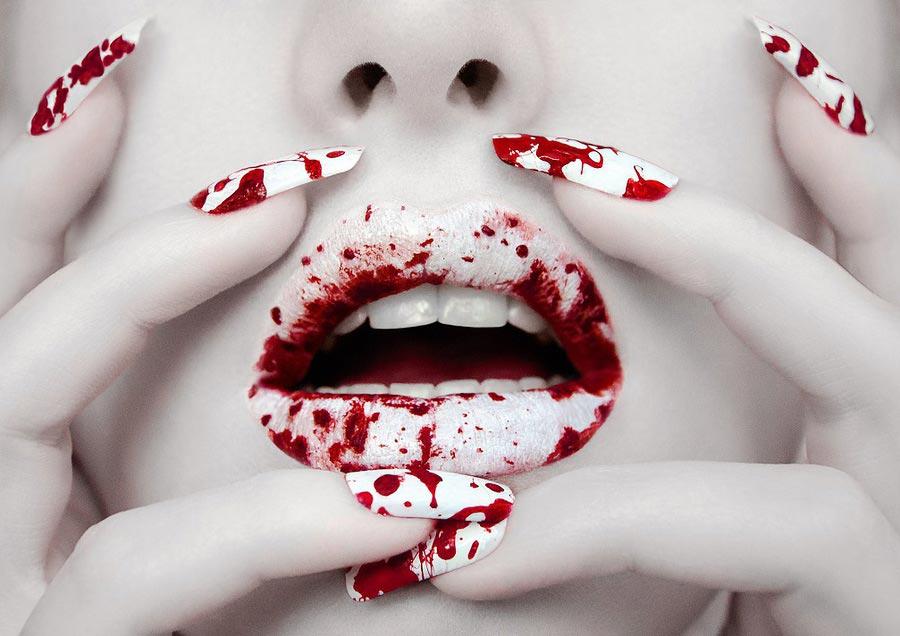 """Маникюр """"кровавые потоки"""". Фото с сайта purplecdn.com"""