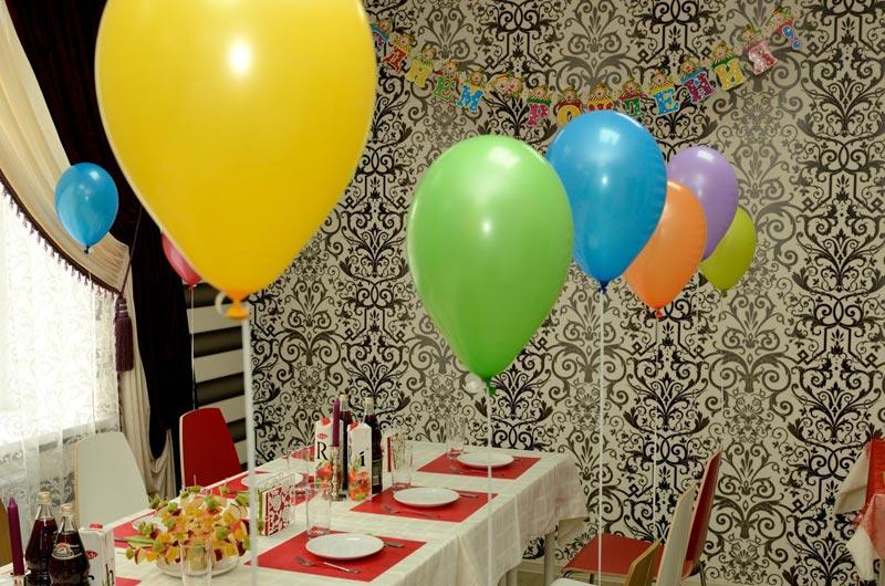 Воздушные шары могут лопнуть и напугать детей. Фото с сайта www.bebinka.ru