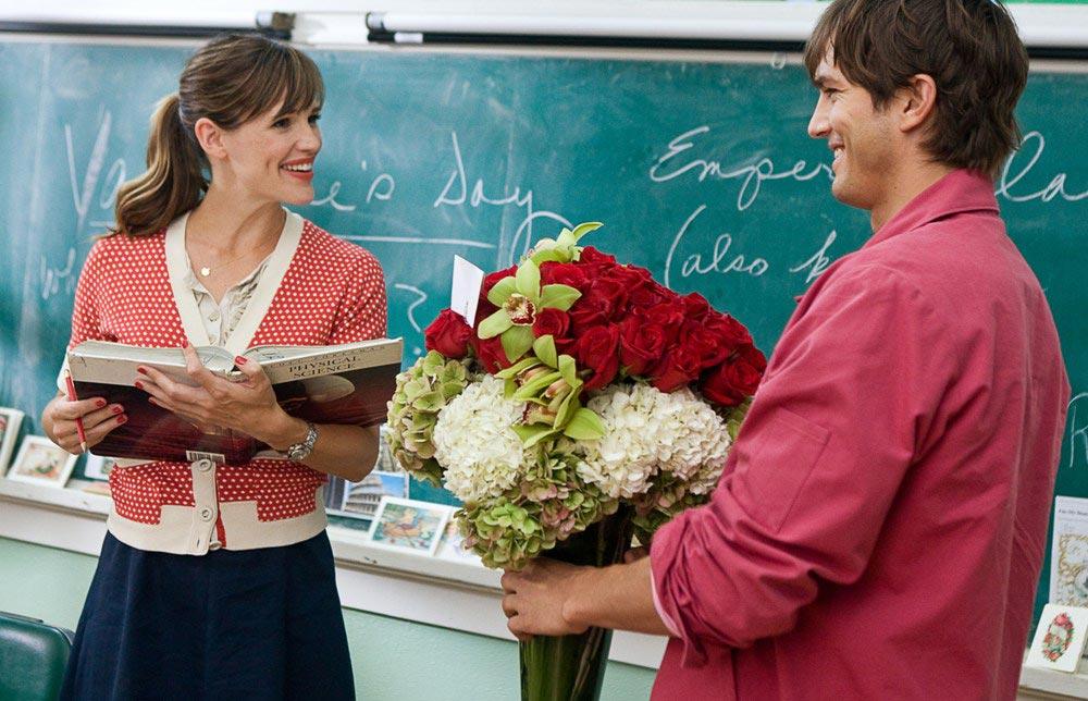 Цветы - беспроигрышный вариант. Фото с сайта www.kinodrive.com