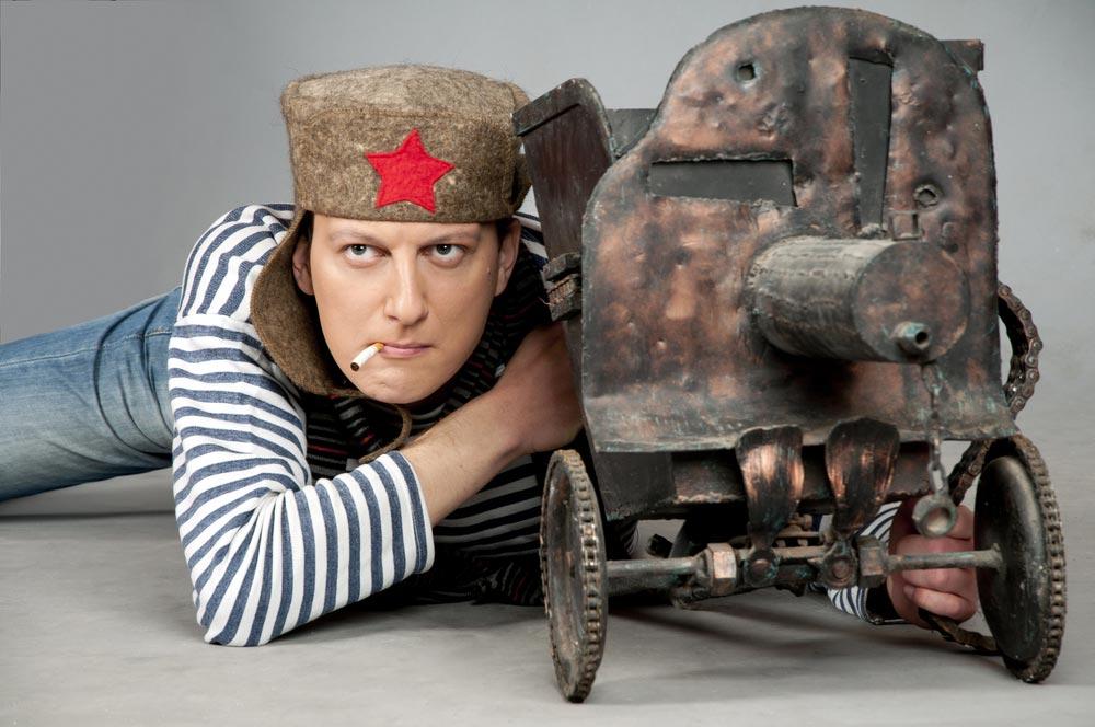 Придумайте свой необычный сценарий празднования 23 февраля. Фото с сайта radikal.ru