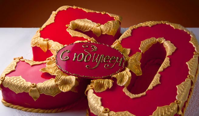 """Оригинальный торт станет подарком мужчине, у которого """"все есть"""". Фото с сайта julia-show.ru"""