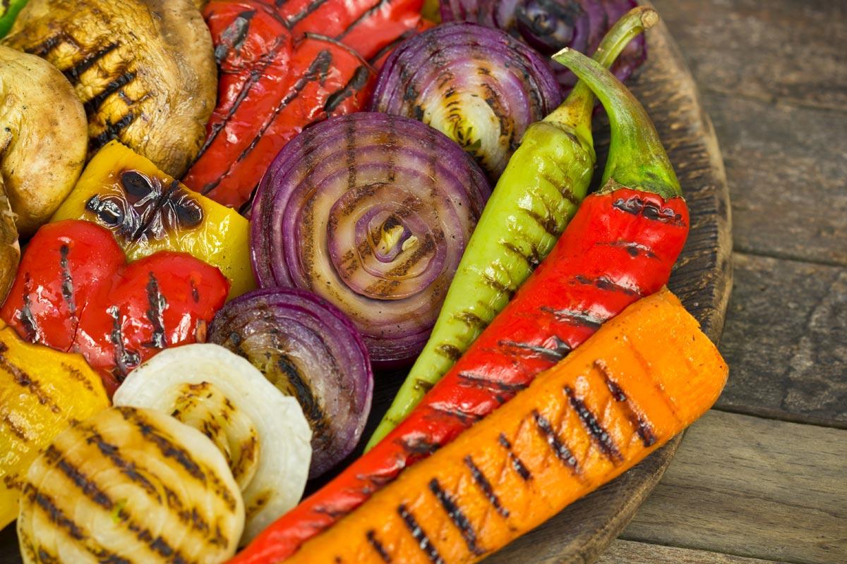 Аппетитные овощи на гриле. Фото с сайта www.slowfoodsv.com