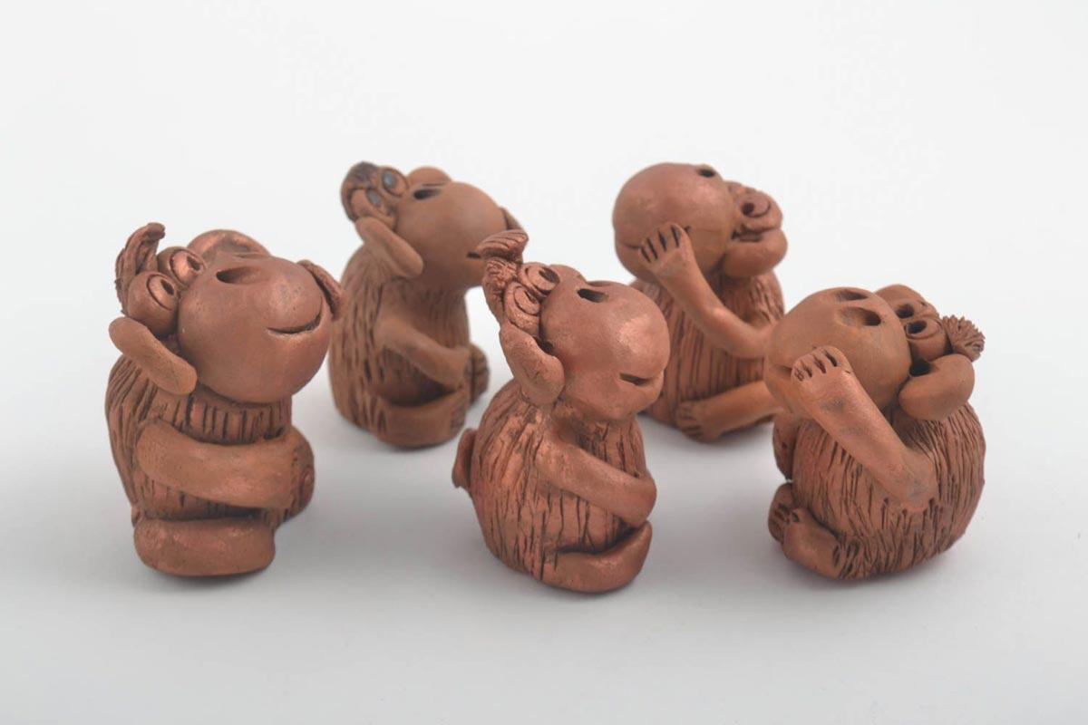 Глиняные обезьянки. Фото с сайта madeheart.com