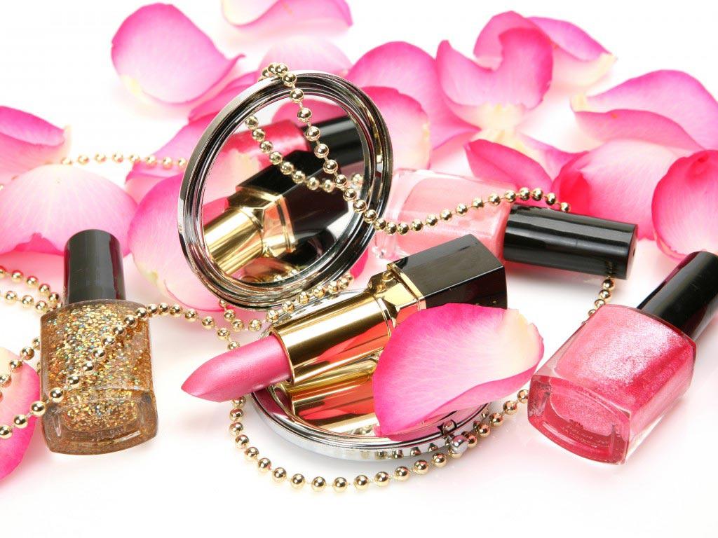 Будьте осторожны в выборе косметики. Фото с сайта goodfon.ru