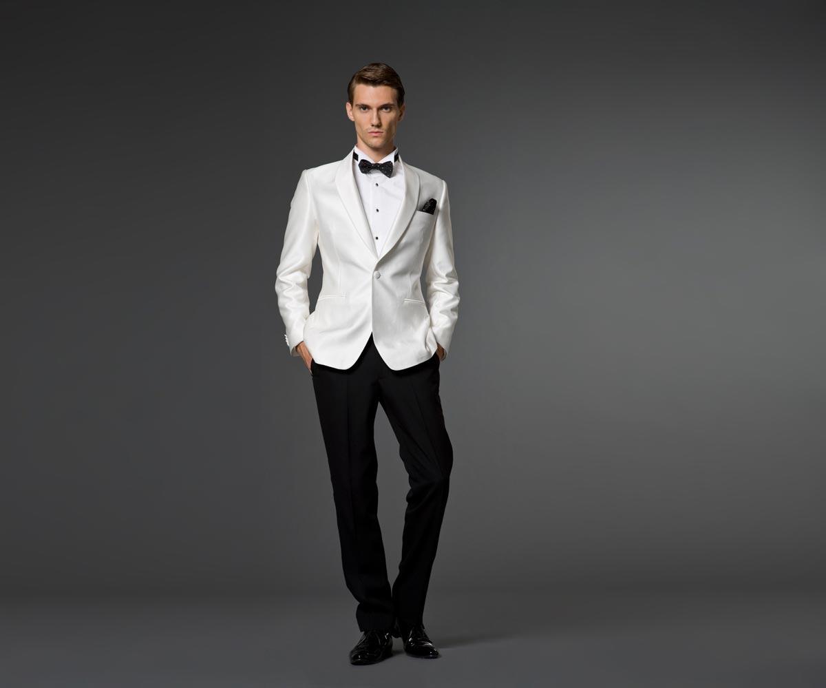 Поводов выбрать к костюму галстук-бабочку может быть много. Фото с сайта moda.gorginaumov.edu.mk