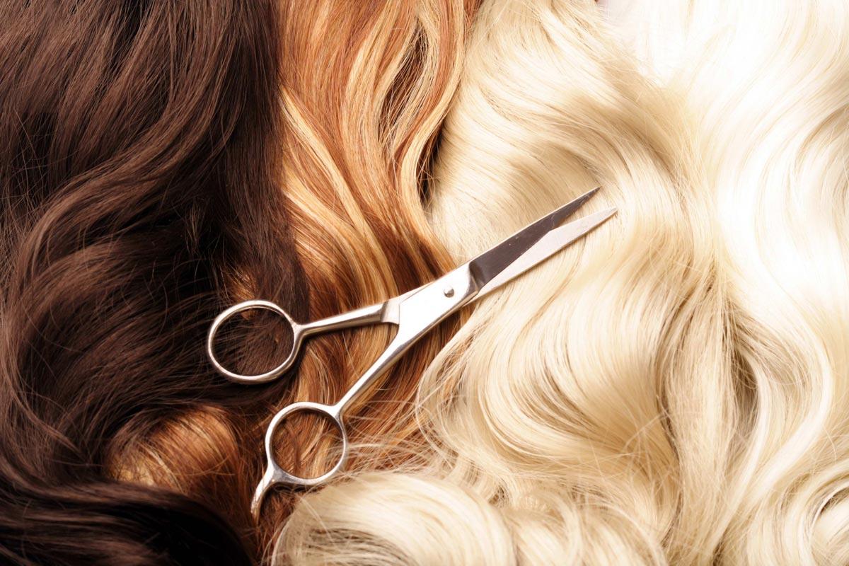Парикмахеры могут отмечать свой праздник и в день красоты. Фото с сайта estet-portal.com