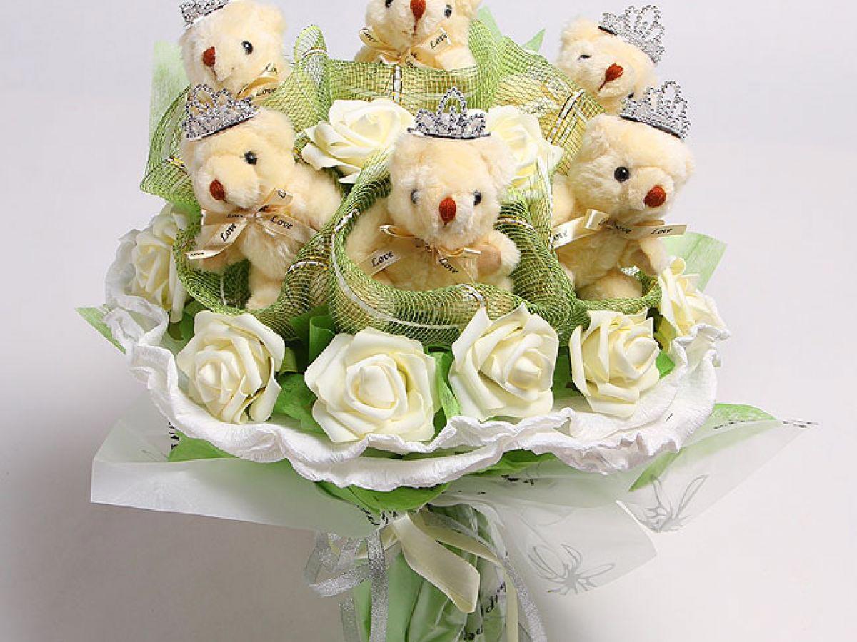 Букет из игрушечных медвежат. Фото с сайта garden-zoo.ru
