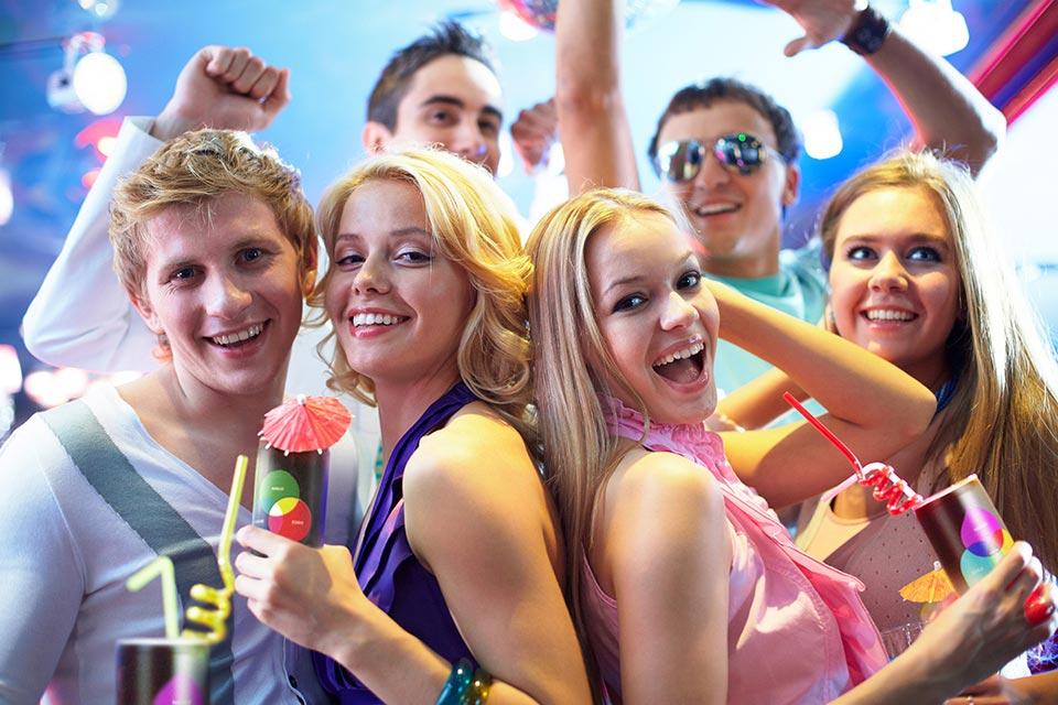Веселые выпускники. Фото с сайта adonce.ru