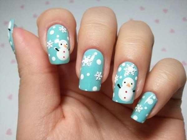 Снеговик на бирюзовом фоне. Фото с сайта fashionobsession.ru