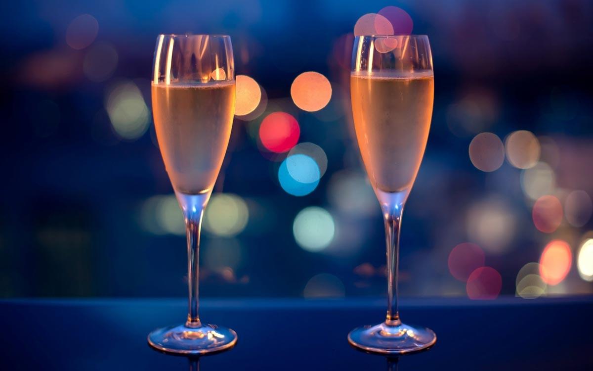 не выбирайте крепкий алкоголь. Фото с сайта imagesbase.ru