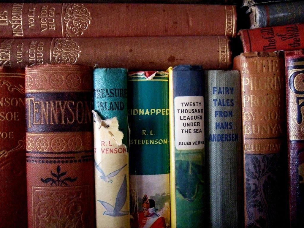 Книги любимых авторов - хороший подарок. Фото с сайта punktum.ru