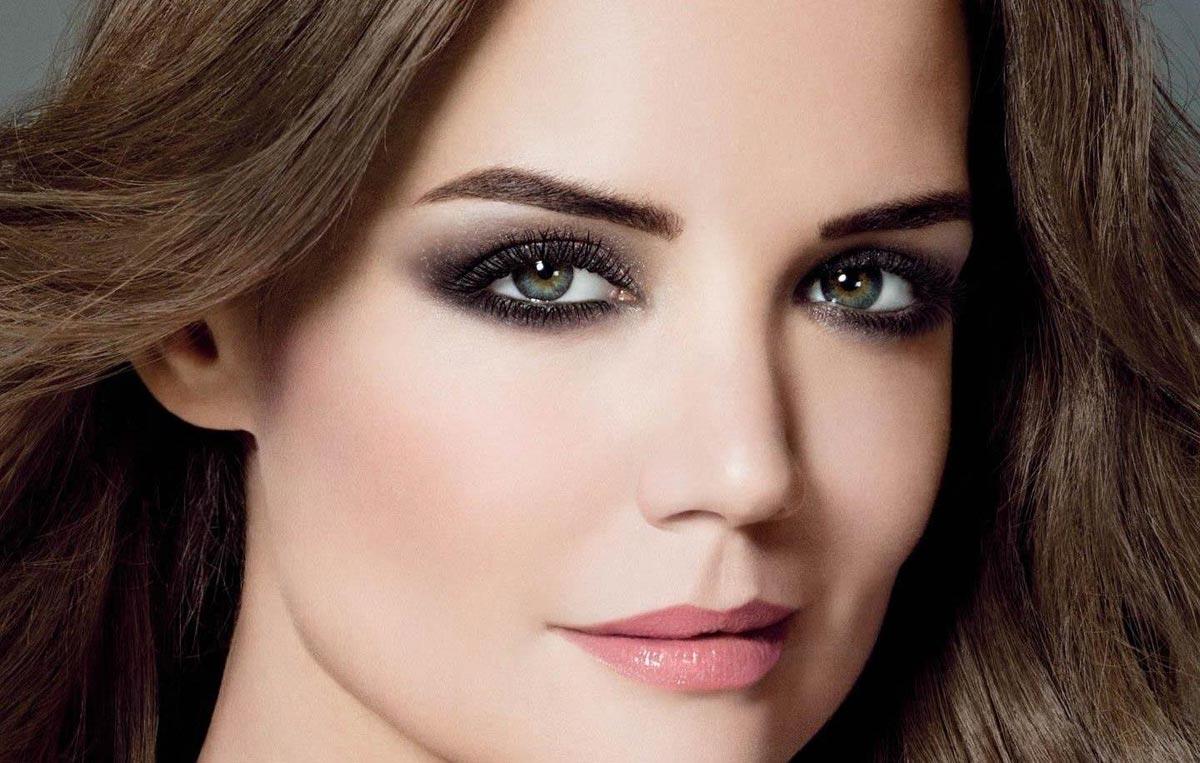 Лаконичный вечерний макияж. Фото с сайта raznoblog.com