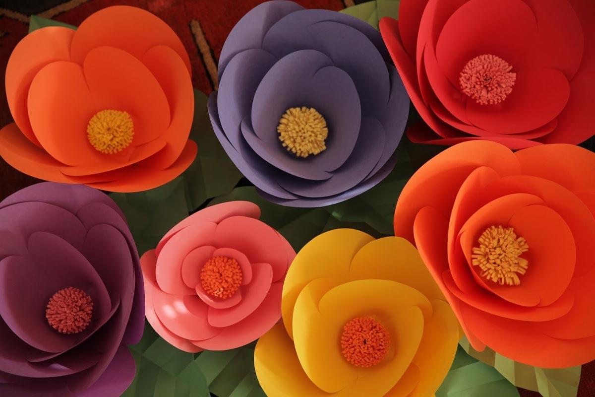 Простые бумажные цветы. Фото с сайта mycrafts.com