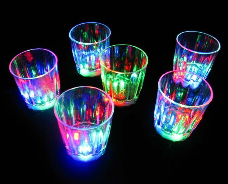 Светящиеся рюмки. Фото с сайта taobaocdn.com