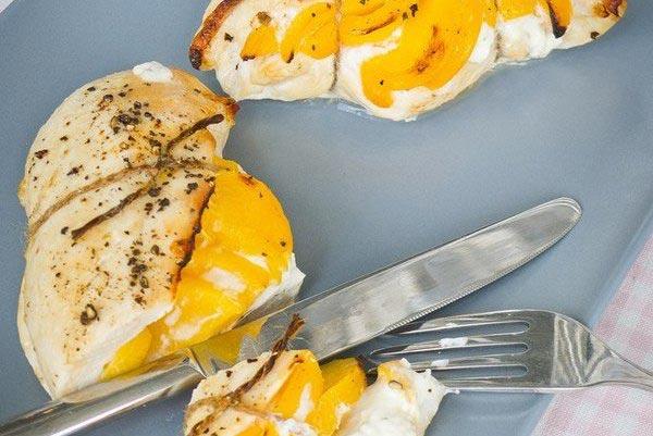 Персики в куриных кармашках - блюдо для гурманов. Фото с сайта cdn-nus-4.pinme.ru