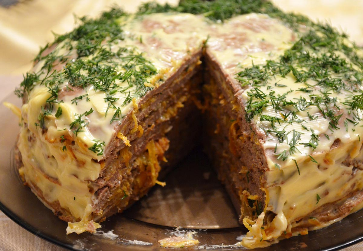 Мясной торт - отличное сытное блюдо. Фото с сайта img-fotki.yandex.ru