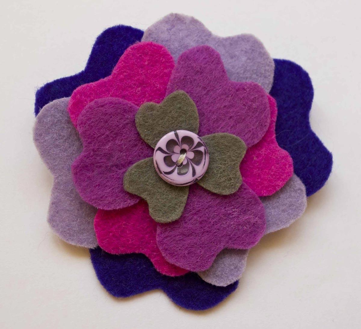 Необычный плоский цветок. Фото с сайта minigift.ru