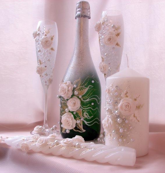 Украшение бутылки шампанского на свадьбу.Фото: semjer.kz