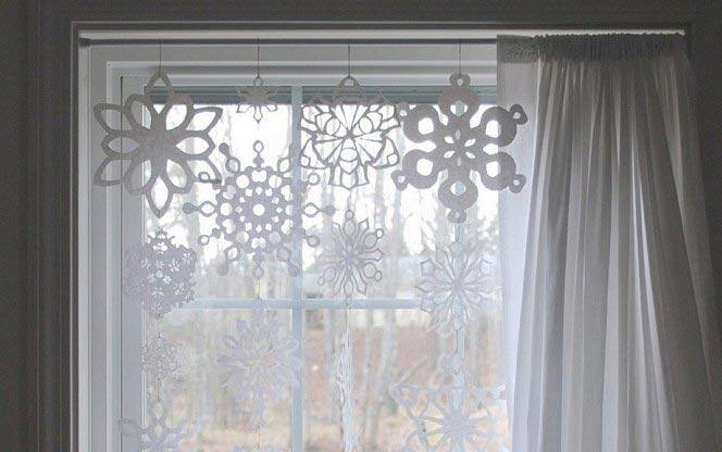 Снежинки на стекле. Фото с сайта decorstars.ru
