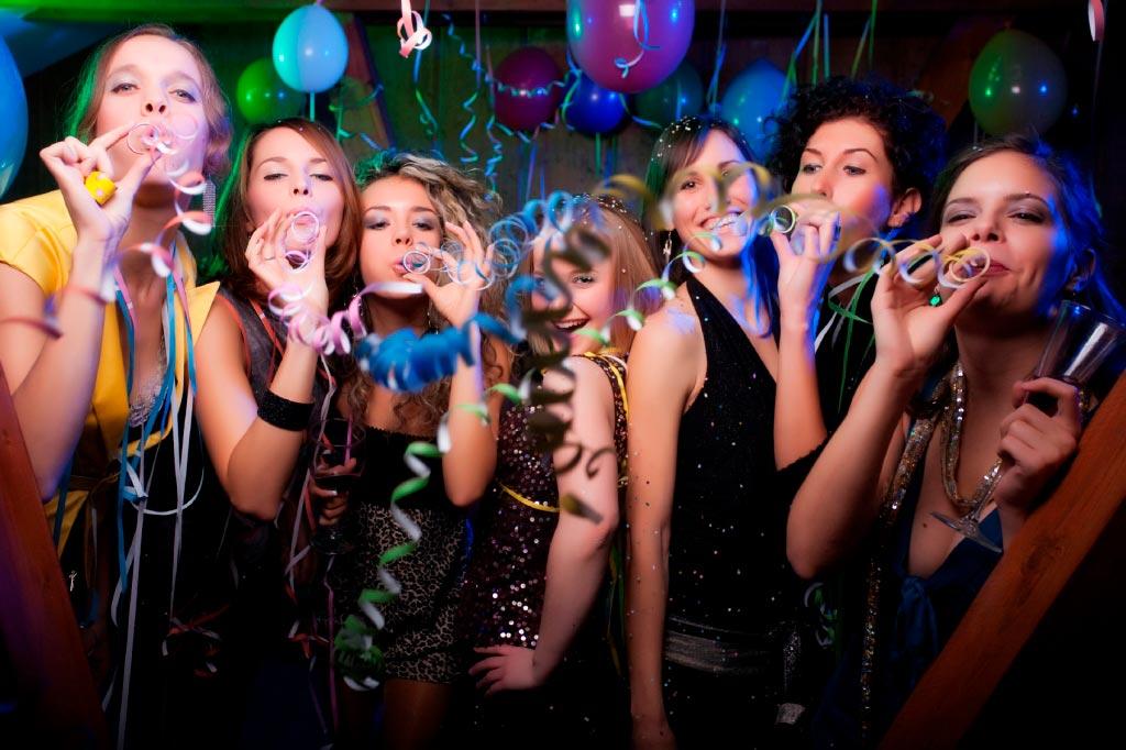 Веселый выпускной. Фото с сайта www.pionertur.ru