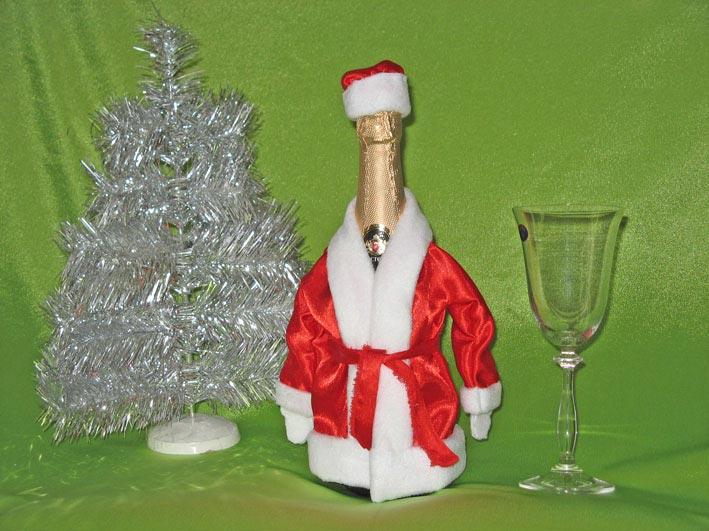 Новогодняя бутылка шампанского. Фото с сайта otomosem.pogovorim.su