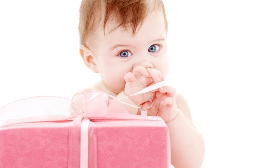 Надарить презенты ребенку еще успеется. Фото с сайта deinschlaflied.com
