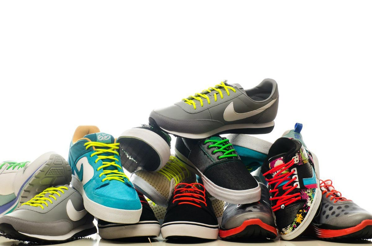 Новые кроссовки станут идеальным подарком, но и оригинальные шнурки для старых - неплохой вариант. Фото с сайта simpalsmedia.com