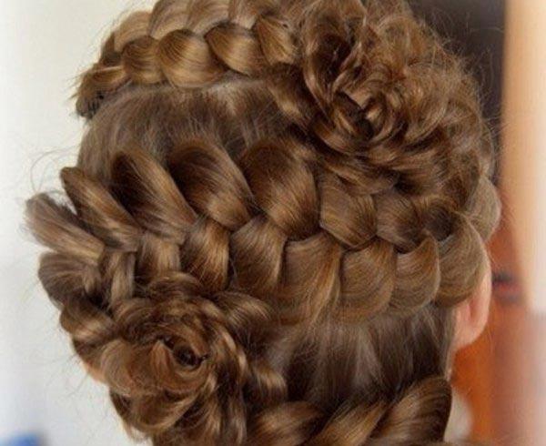 Продвинутый вариант французской косы. Фото с сайта www.vdvanapa.ru