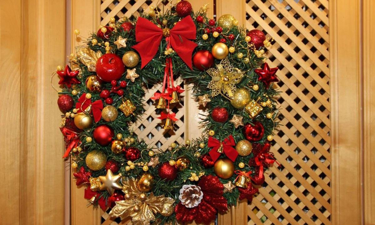 Традиционный рождественский венок. Фото с сайта avito.st