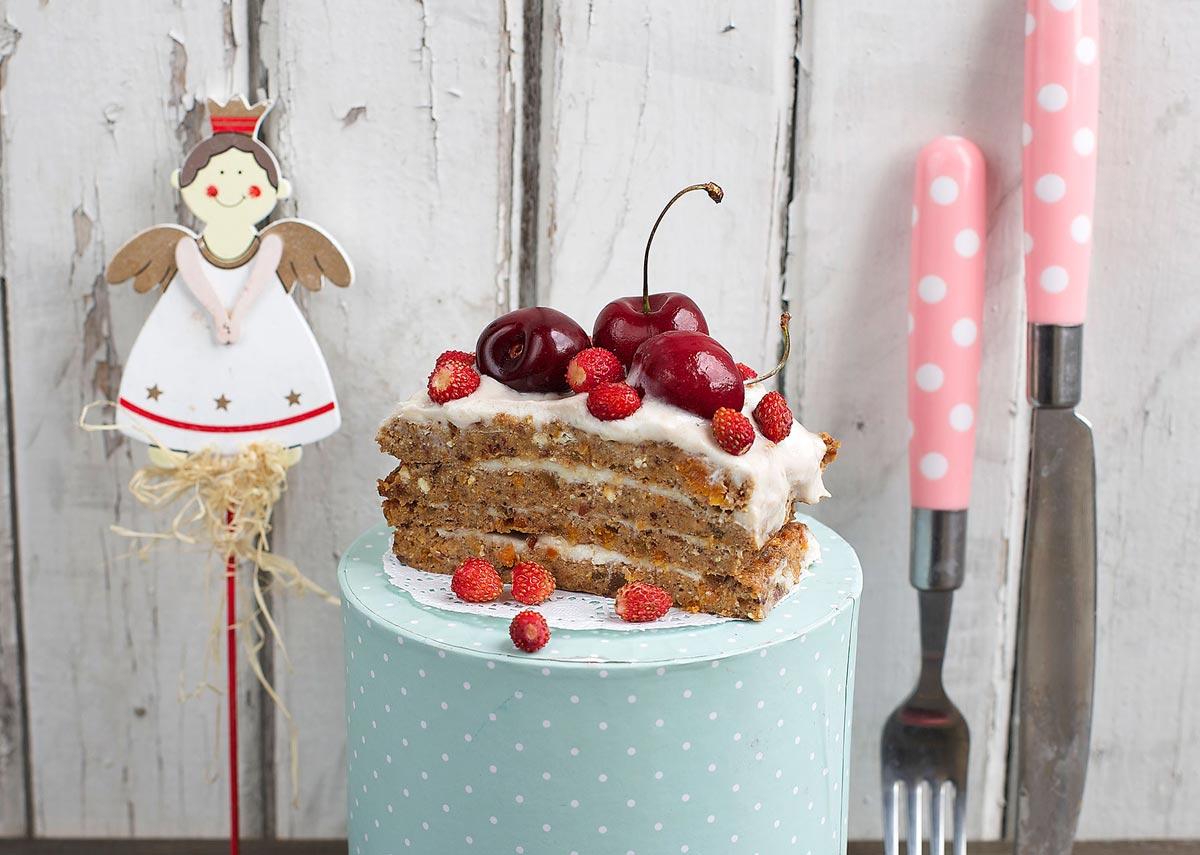 Натуральный и вкусный торт для ребенка. Фото с сайта slezinger.ru