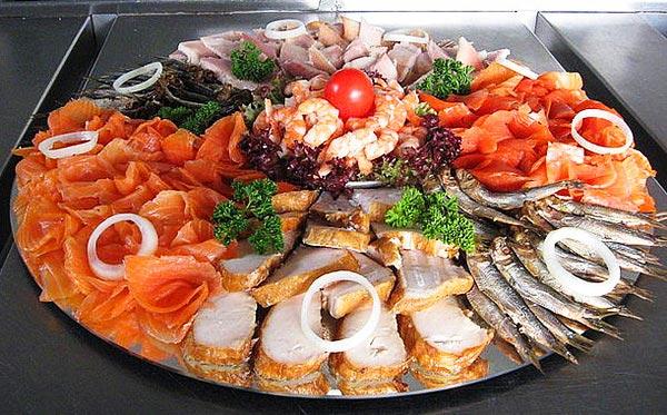 Ассорти из морепродуктов. Фото с сайта russkayakuhnya1.ru