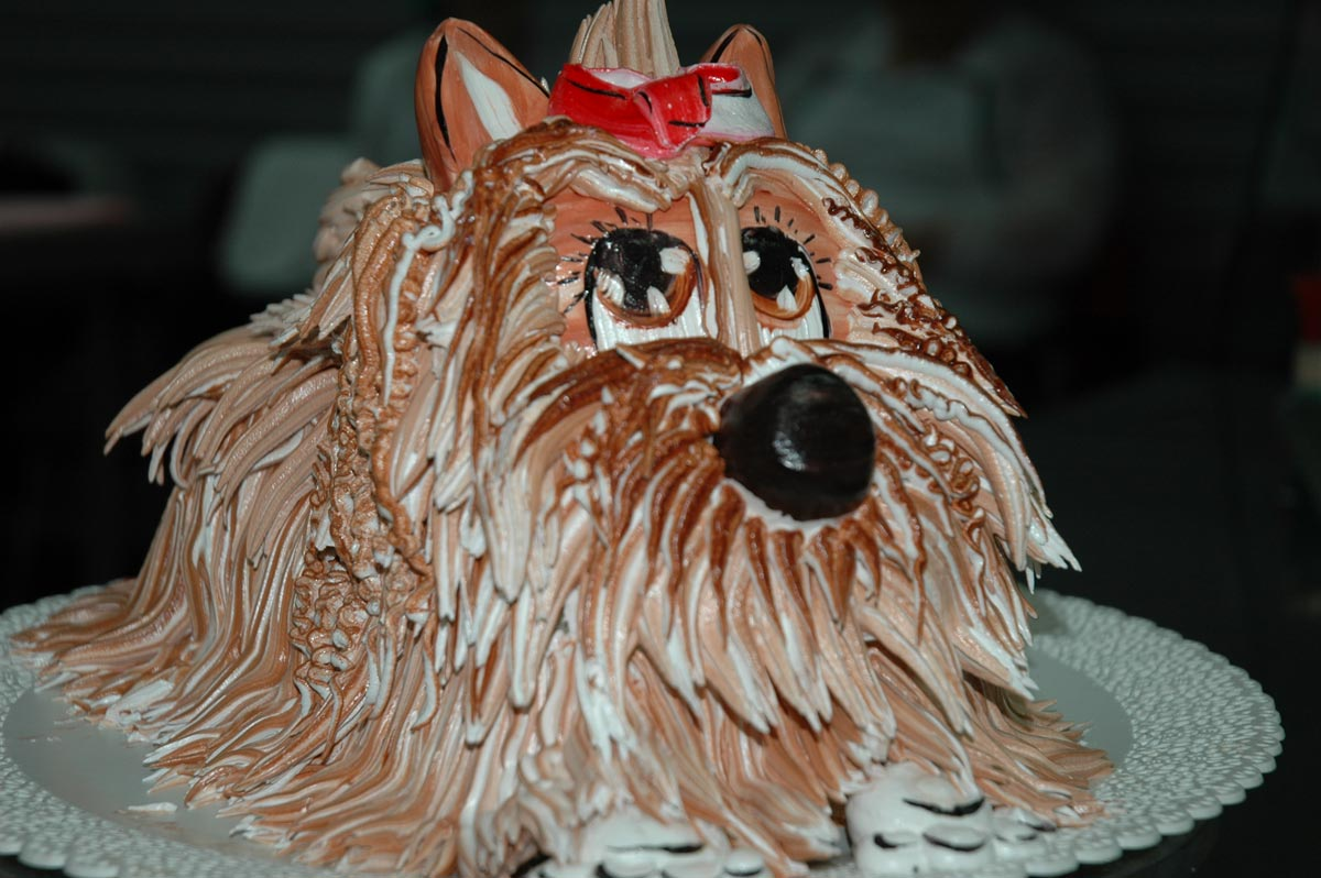 Украшение торта из сливок. Фото с сайта www.korona-agro.ru