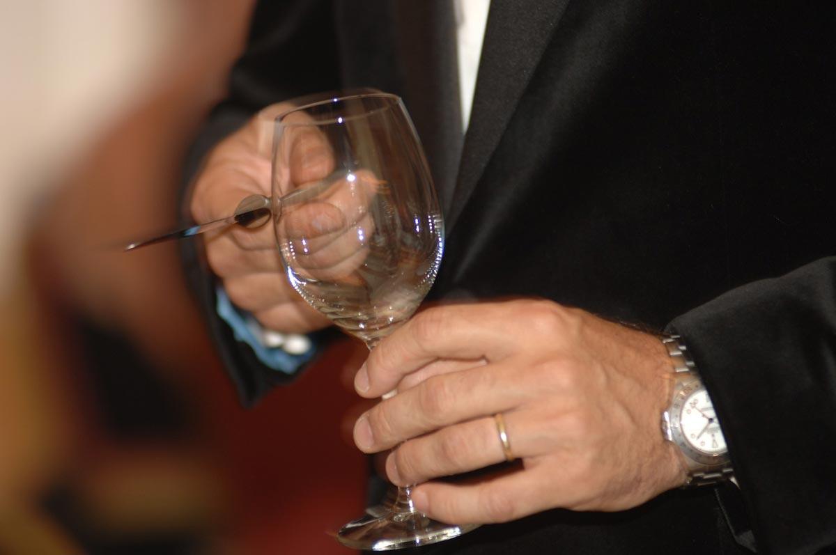 Тосты на скорость - хороший конкурс! Фото с сайта www.livepicturestudios.com