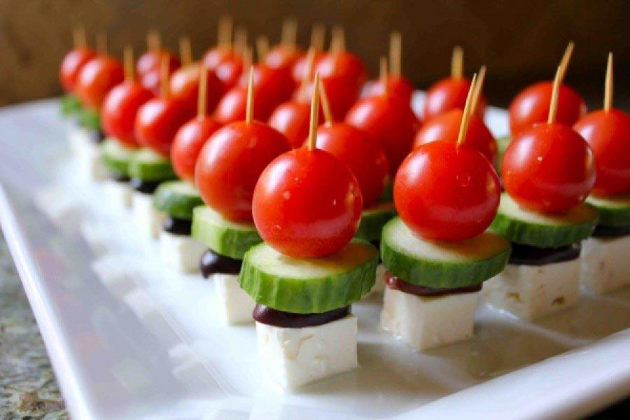 Канапе можно делать с самым разным набором ингредиентов. Фото с сайта 7ya-media.com