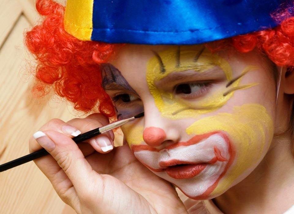 Мастер запросто сделает из вашего ребенка его любимого персонажа. Фото с сайта bellade61.files.wordpress.com
