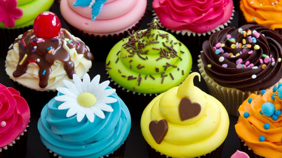 Капкейки - хорошее решение для праздника, чтобы всем хватило. Фото с сайта tubgit.com