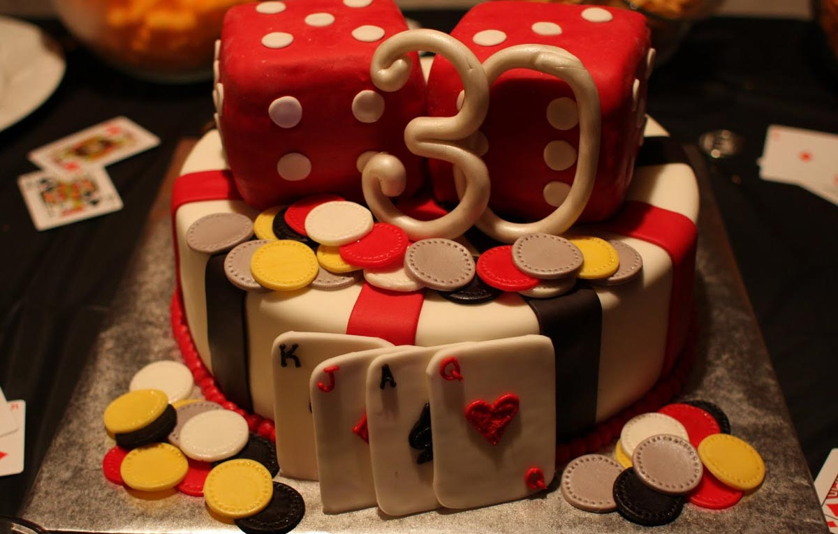 Оригинальный торт не помешает. Фото с сайта coastchlorinator.com