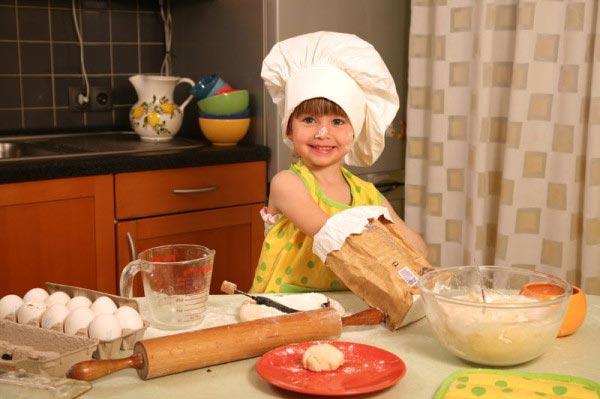 Приобщайте ребенка к полезным увлечениям с малых лет. Фото с сайта kak7.com
