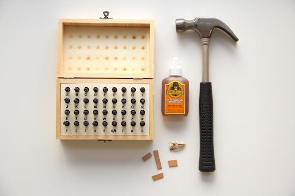 Инструменты, которые потребуются. Фото с сайта lovelyindeed.com