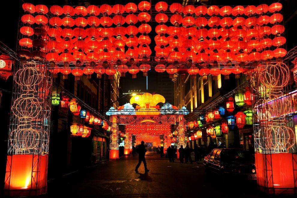 Красный цвет очень символичен для Китая. Фото с сайта tiaurus.info