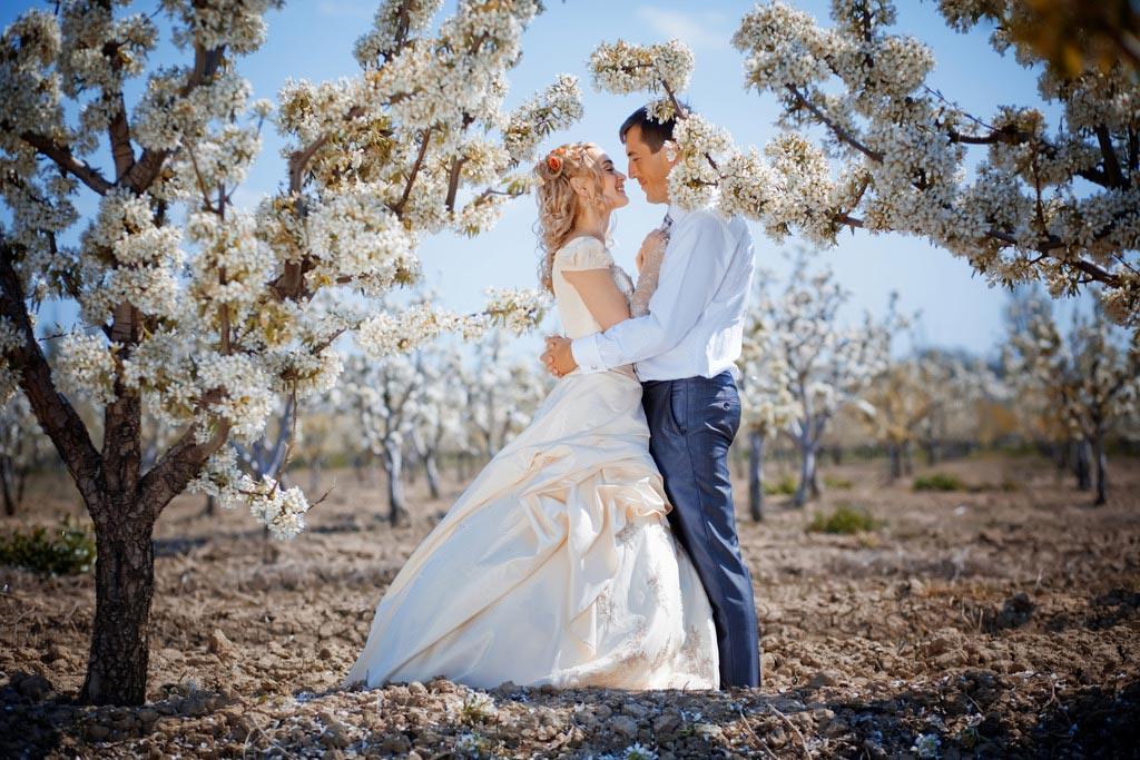Повторить свадебную сказку через годы - отличный подарок! Фото с сайта bogatko.svadba-murmansk.ru