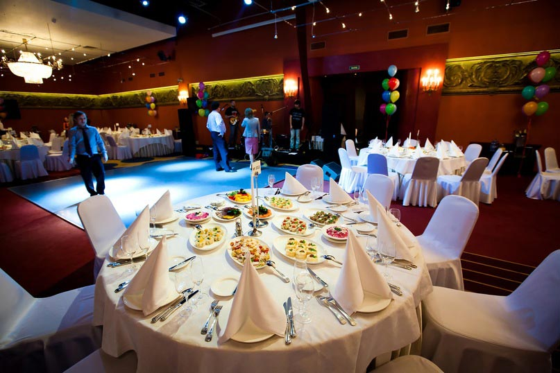 Зал для проведения выпускного. Фото с сайта www.captains-club.ru