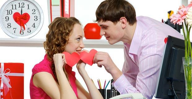 Оставьте и на работе немного места романтике. Фото с сайта blog.trud.com