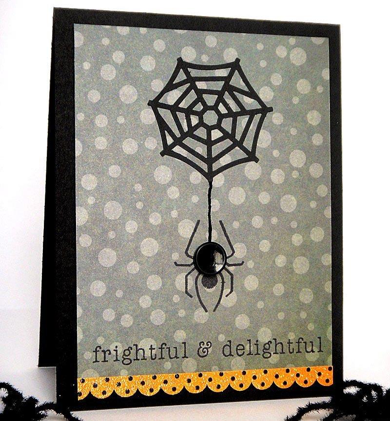 Пауки и паутины - классические атрибуты праздника. Фото с сайта otkrytki-svoimi-rukami.ru