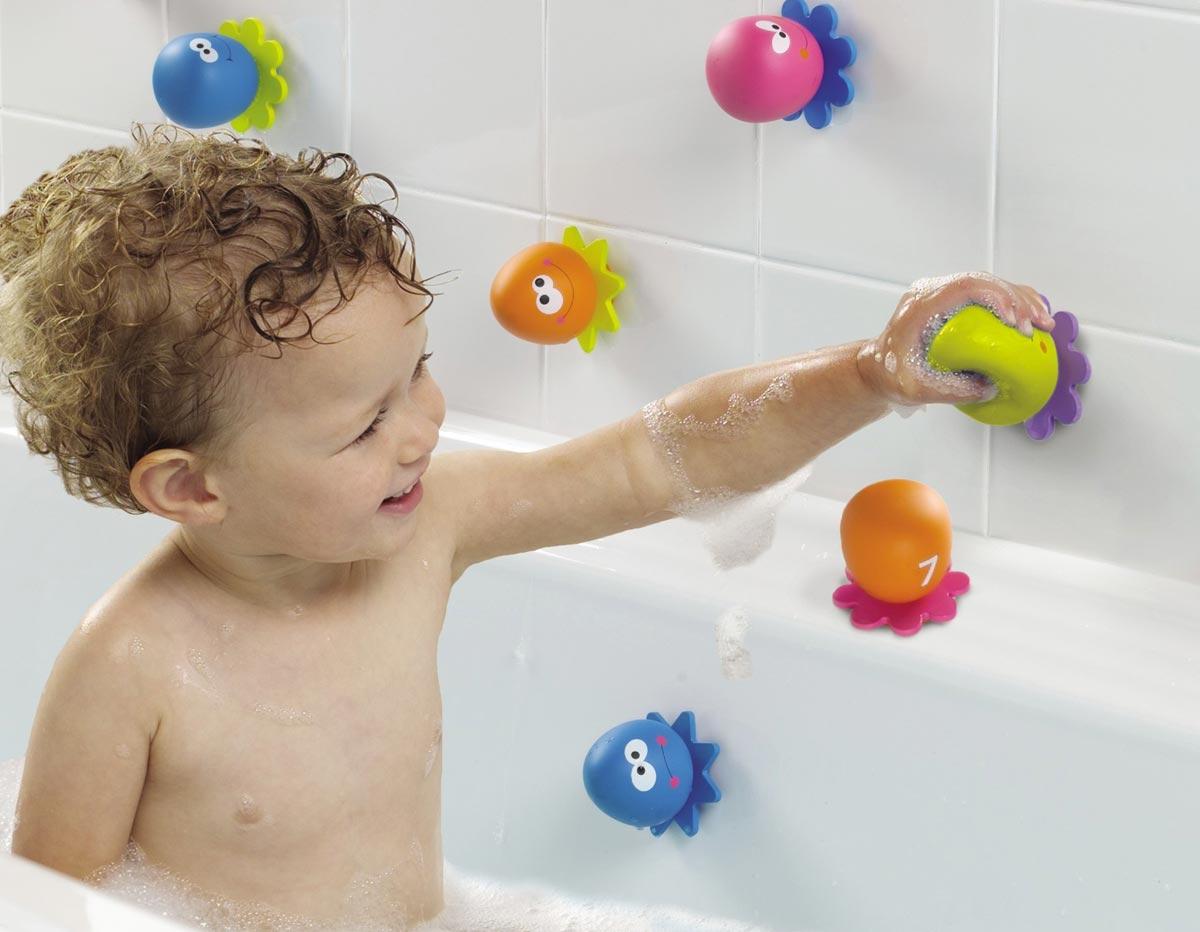 Игрушки для ванны развивают моторику и воображение. Фото с сайта putkari.com